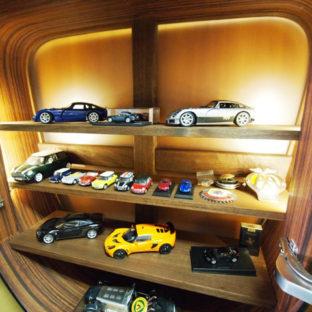 EX Cabinet